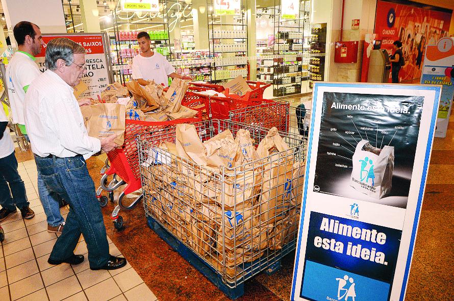Banco Alimentar termina hoje campanha que irá ajudar 420 mil pessoas